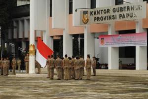 upacara bendera di Jayapura