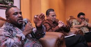 Wakil Ketua DPR Papua Jimmy1
