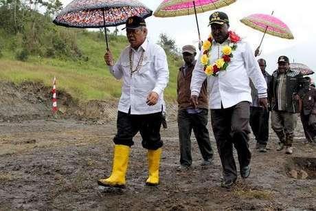 Bupati Puncak dan Mantan Menteri PU dan Perumahan Rakyat Basoeki Hadimoeljono,