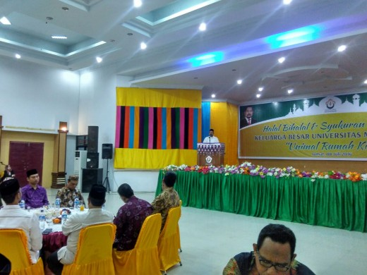 Prof Apridar dalam acara halal bihalal dan acara akreditasi di GOR Unimal, Jumat (8/7/2016) -  http://www.goaceh.co