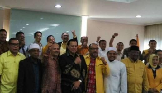Penandatanganan kontrak politik DPP Golkar dan calon kepala daerah.