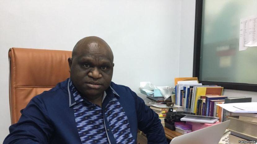 Komisioner Komisi Nasional Hak Asasi Manusia (Komnas HAM) Natalius Pigai (Foto: VOA)