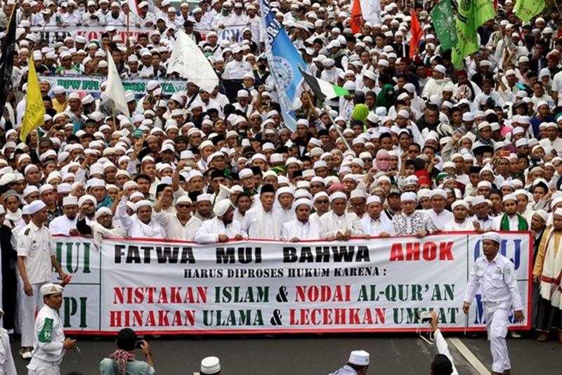 demo-ahok-oleh-ormas-islam-karena-lecehkan-islam