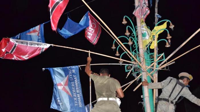 bersihkan-bendera-partai