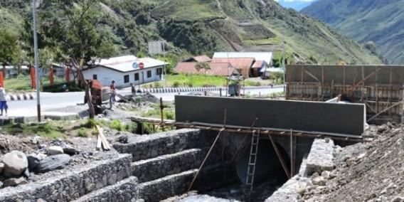 pembangunan-infrastruktur-puncak-jaya-660x330