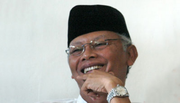 KH Anwar Iskandar.